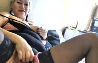 Russian MILF AimeeParadise spreads her slender legs wide, showing off her beautiful mature cunt..